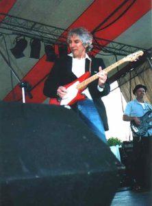 Two Alberts groovin\' - Albert Lee and bassman, Albert Rodgers